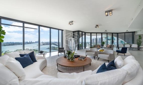 Extraordinary residences in a prestigious new tower by architect Zaha Hadid in Miami | 3