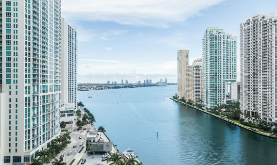 Luxury residential complex branded by Aston Martin in Miami | 3